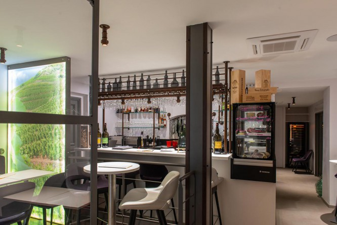 installation-bar-a-vins-restaurant-isere (5).jpg